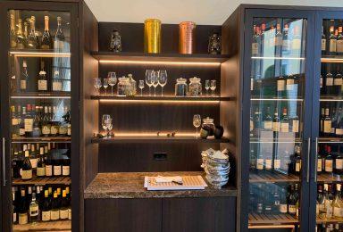 Hotelbau Weinkühlschränke und maßangefertigte Regale - Tischlerei Gerber GmbH