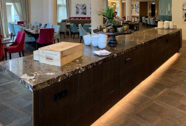 Hotelausbau mit Gastronomie Frontcooking - Tischlerei Gerber GmbH